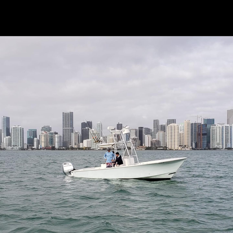 Happy Independence Day from my GO HARD family to yours!  I'm gunna keep livin' my American dream. #GOHARDFISHING #miamibeach #charterfishing #greatestcountryintheworld #istilllikeenglandthough #ialsoloveenglishbeer @starbrite_com @pennfishing